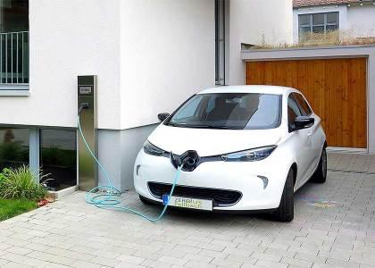 AutoElettrica-1-420x300 CNR: Il diesel inquina meno dell'elettrico