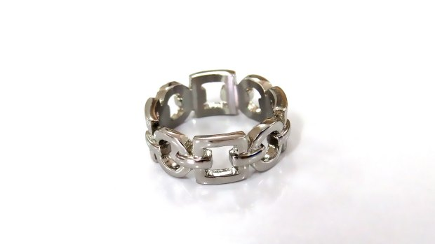 Stainless steel chain ring for women