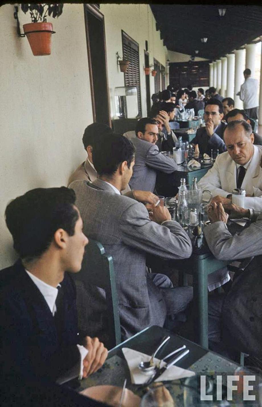 el empresario Eugenio Mendoza en un almuerzo.