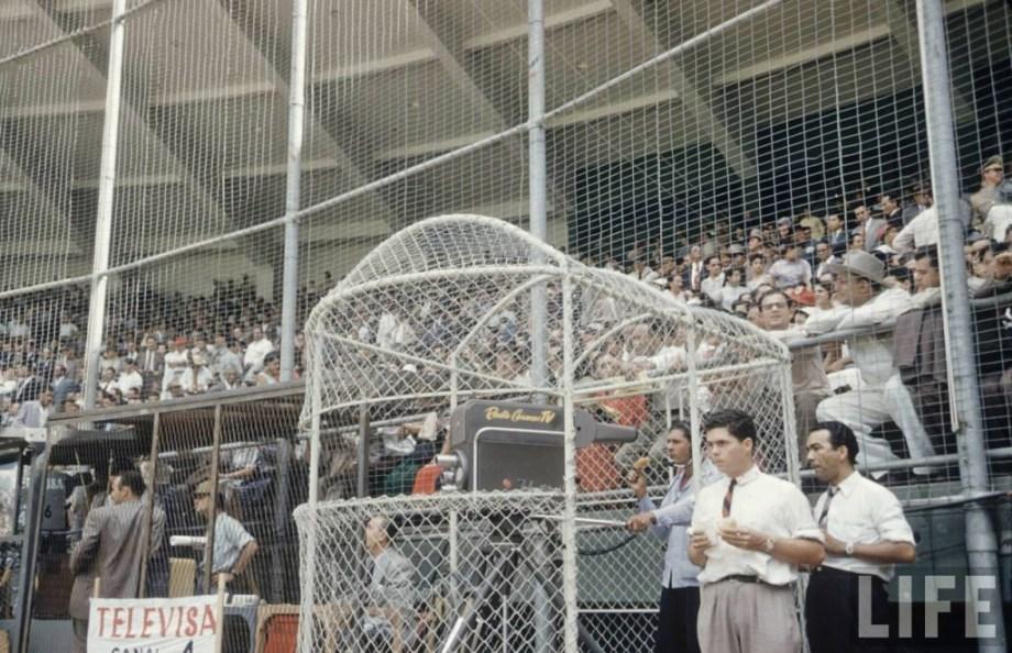 transmisiones televisivas en periodo de prueba del XIV Campeonato Mundial de Béisbol Amateur desde el Estadio Universitario.