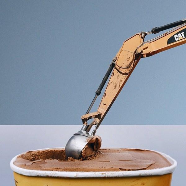 3. Excavadora + Tarrina de helado