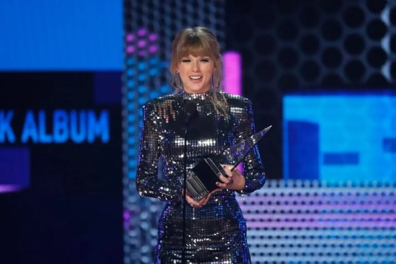 taylor swift american music awards 2018