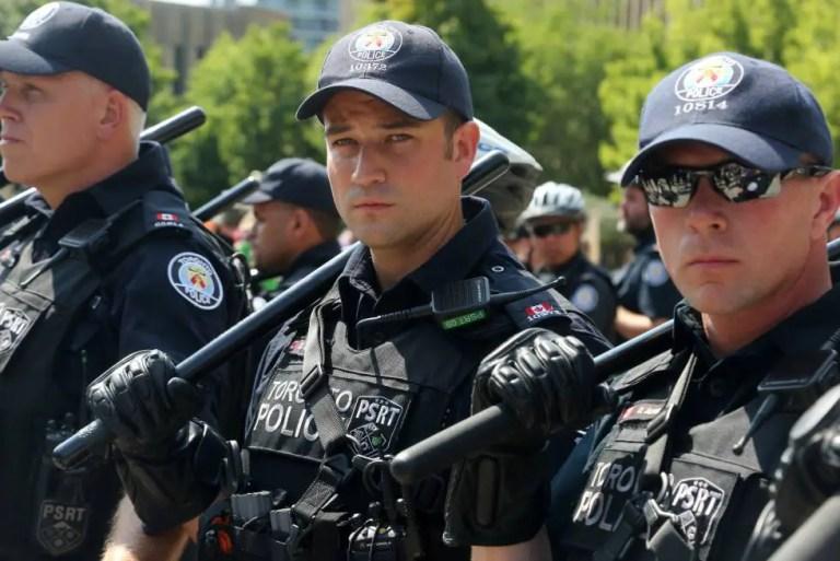 policías argentinos