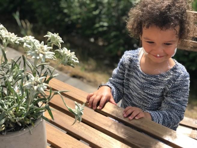 Was tun bei Sonnenallergie! Wir mischen Aloe Vera mit Minerlischem Sonnenschutz ! All das Gute der Natur vereint, um sich uns in der schönsten Jahreszeit zu schützen. Sonnenallergie Tipps auf www.elfenkindberlin.de