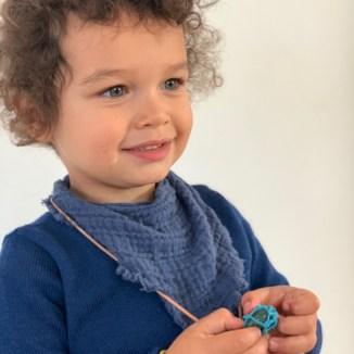"""Kinder durch Geschichten stärken und sie auf ihrem Weg zu starken selbstbewussten Persönlichkeiten begleiten: """"Masita"""" gelingt es ganz wunderbar.Das DIY für das Amulett gibt es auf www.elfenkindberlin.de"""