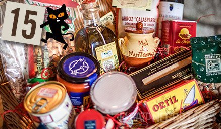#Advent Day15 shows our 'mejor' gourmet hamper: marvellous morsels & premium products galore!