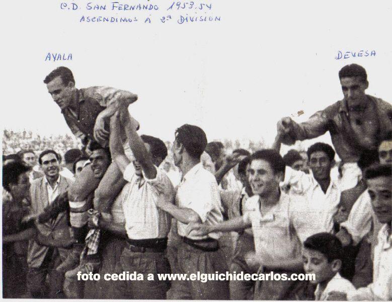 El júbilo de los aficionados. Fotografía cedida por la familia Devesa a www.elguichidecarlos.com