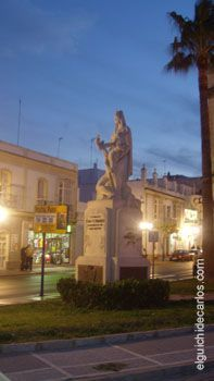 Plaza del Bacalao, monumento a los caídos en la guerra de África