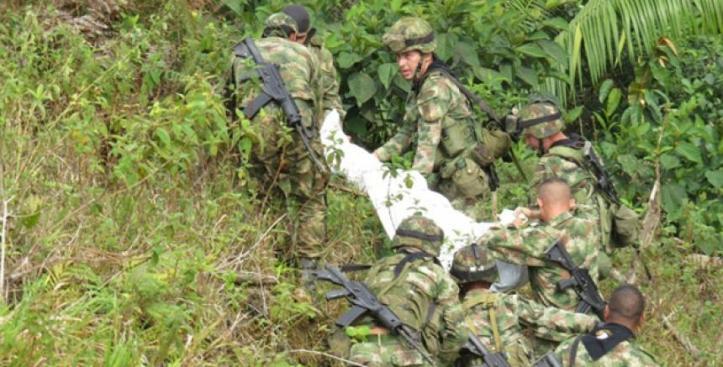 Resultado de imagen de muere soldado campo minado