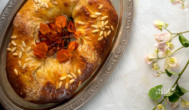 Roscón de Reyes con leche de almendras y piñones