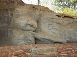 Sri Lanka Polonnaruwa Buddha Gal Vihara nel Nirvana