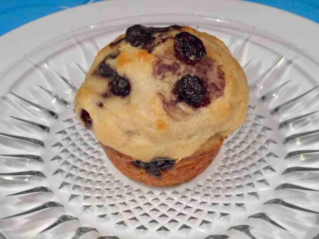 National Muffin Day: Blueberry Vanilla Lemon Muffins TravelFoodCool