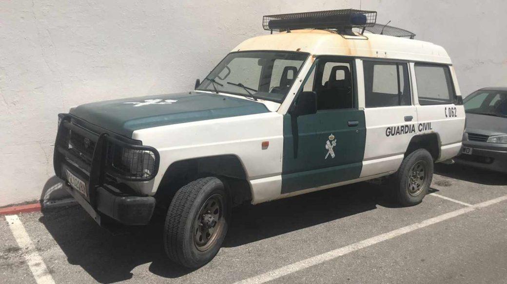 Un coche patrulla de la Guardia Civil, en una casa cuartel del Campo de Gibraltar.