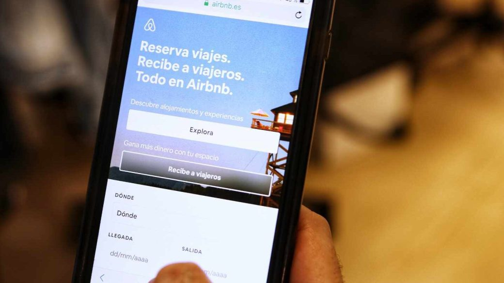 La plataforma de alquiler vacacional Airbnb