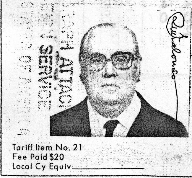 Fotocopia del pasaporte de Ramón Ruiz Alonso del archivo del Instituto Nacional de Emigración de Madrid, de finales de 1975, cuando solicitó viajar a EE UU.