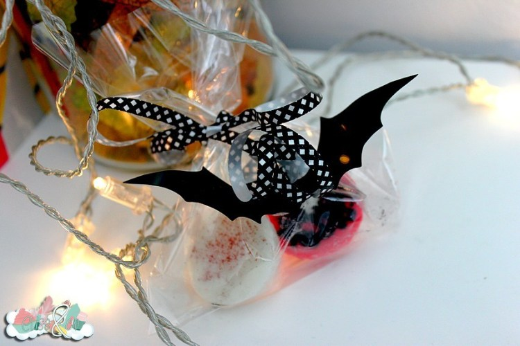 Chez Kelina créations - Bougies Halloween fleurs de coton - EliseandCO