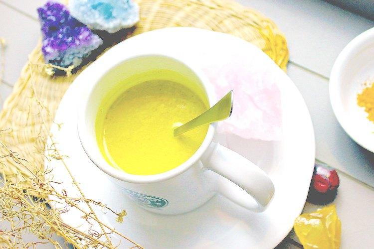 recette lait d'or ou golden milk boisson ayurvedique - pourquoi - elise and co