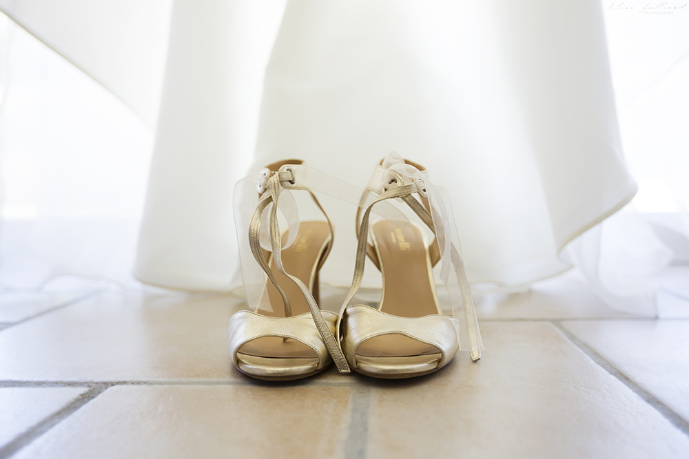 elise-julliard-photographe-lyon-rhone-alpes-mariage-wedding-amour-maries-provence-alpes-cote-dazur-seance-photo-preparatifs-antibes-nice-chaussures