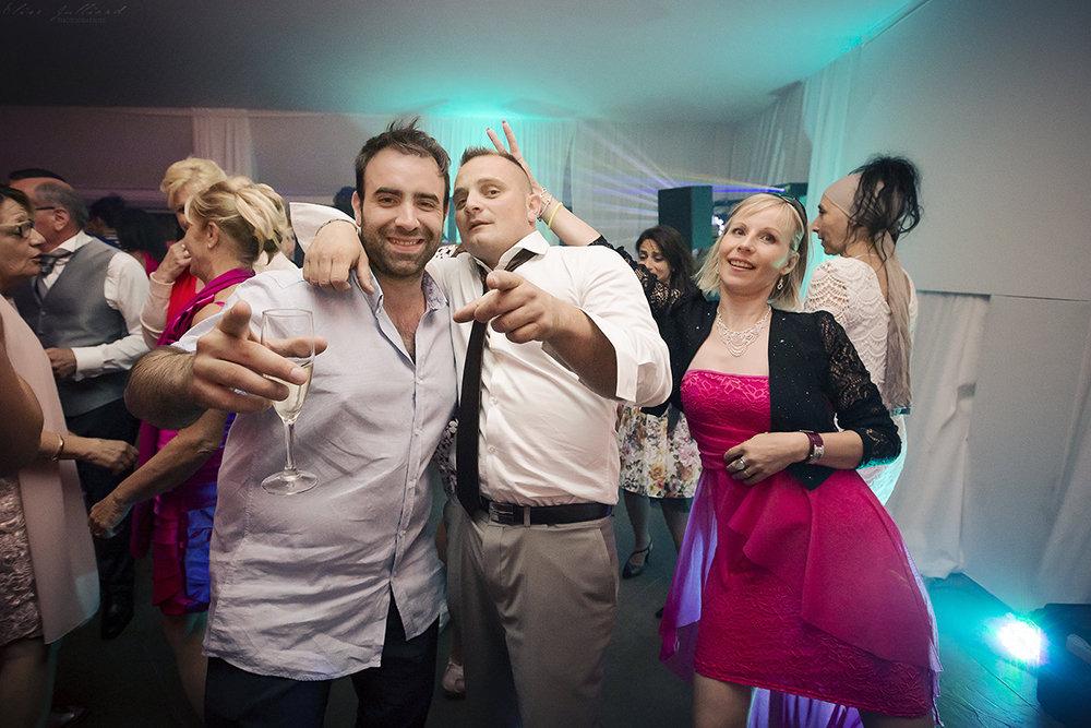 elise-julliard-photographe-lyon-rhone-alpes-mariage-wedding-amour-maries-provence-alpes-cote-dazur-seance-photo-invites-antibes-nice-soiree-3