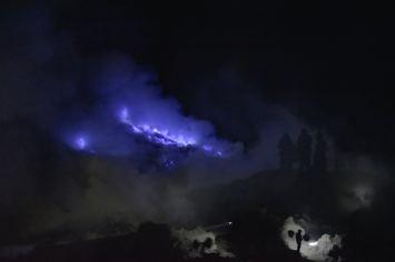 Blue fire Flammes bleues kawah-ijen-indonesie-blog-voyage-2016-5