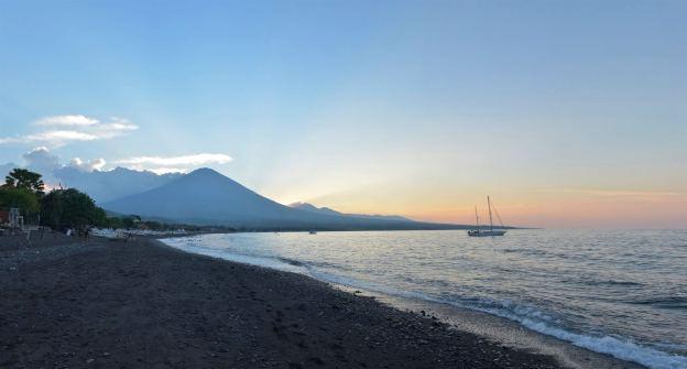 Coucher de soleil sur le Mont Agung