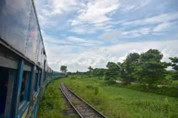 Train circulaire Yangon-Myanmar-Birmanie-blog-voyage-2016 32