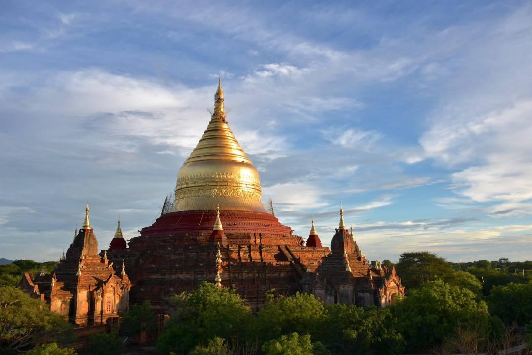 Coucher de soleil Dhammayanzika Decouverte-Bagan-Myanmar-Birmanie-blog-voyage-2016 58