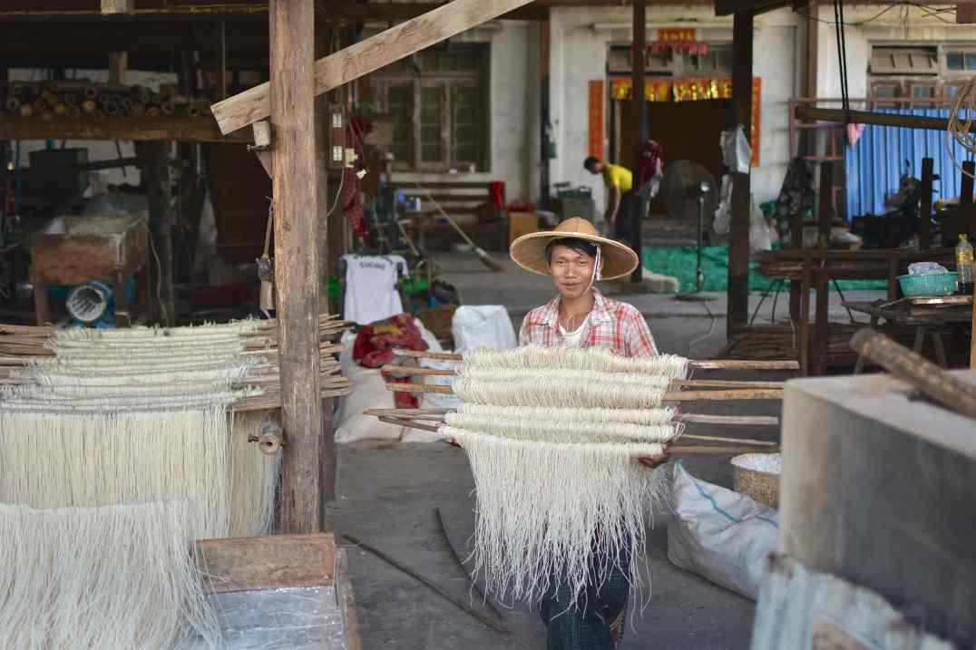 Fabrique nouilles Hsipaw Myanmar blog voyage 2016 10