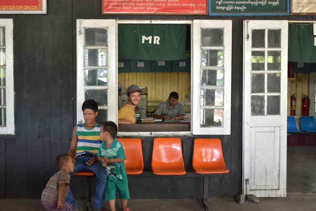 Gare Hsipaw Myanmar blog voyage 2016 6
