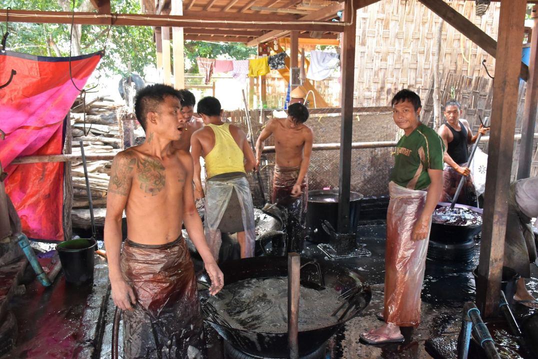 Teinture fils Mandalay-Inwa-Ubein-Myanmar-Birmanie-blog-voyage-2016 37