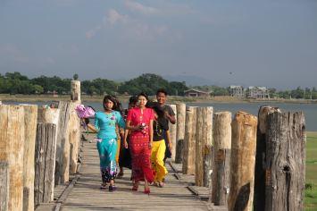locaux U-bein Mandalay-Inwa-Ubein-Myanmar-Birmanie-blog-voyage-2016 60