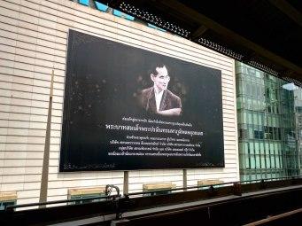 Hommage defunt roi Thailande Bangkok-fin-voyage-blog-voyage-2016 5