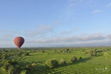 Survol de Bagan en montgolfière, au Myanmar