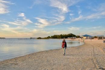 Sur la plage de Fort Island