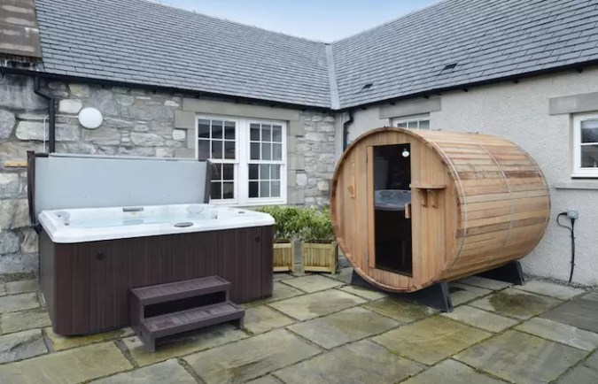 Luxury Lodges with Hot Tubs Near Aviemore Scotland Videos