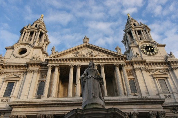 Queen Anne - St Paul's cathedral
