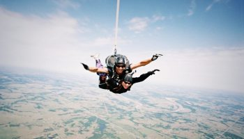 Skydiving_over_Cushing