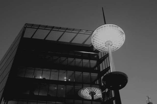 Light reflection near London Bridge station