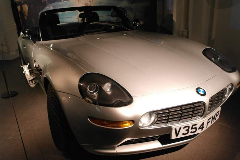 BMW Z8 _ The World Is Not Enough