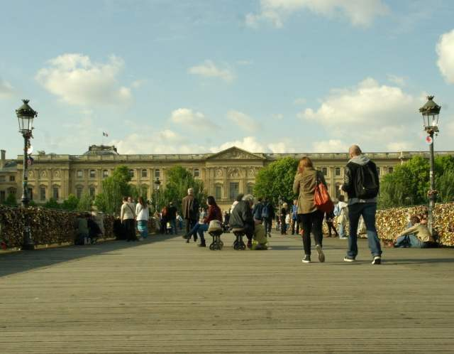 Pont Des Arts bridge, Paris (2)