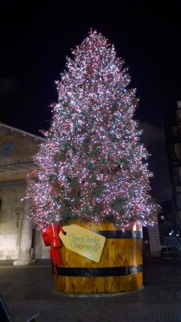 apple market covent gardens christmas tree