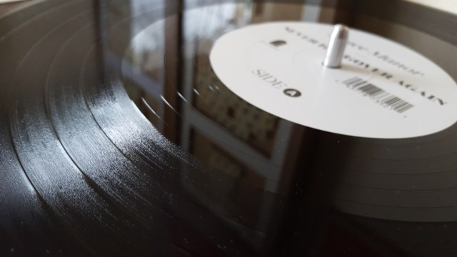Vinyl skip track lines