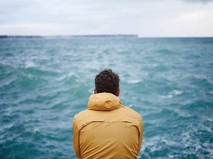 6 Solid Reasons to Avoid Traveling Alone