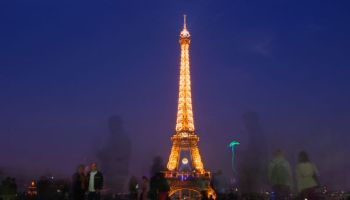 Eiffel-Tower-at-night-long-exposure-4