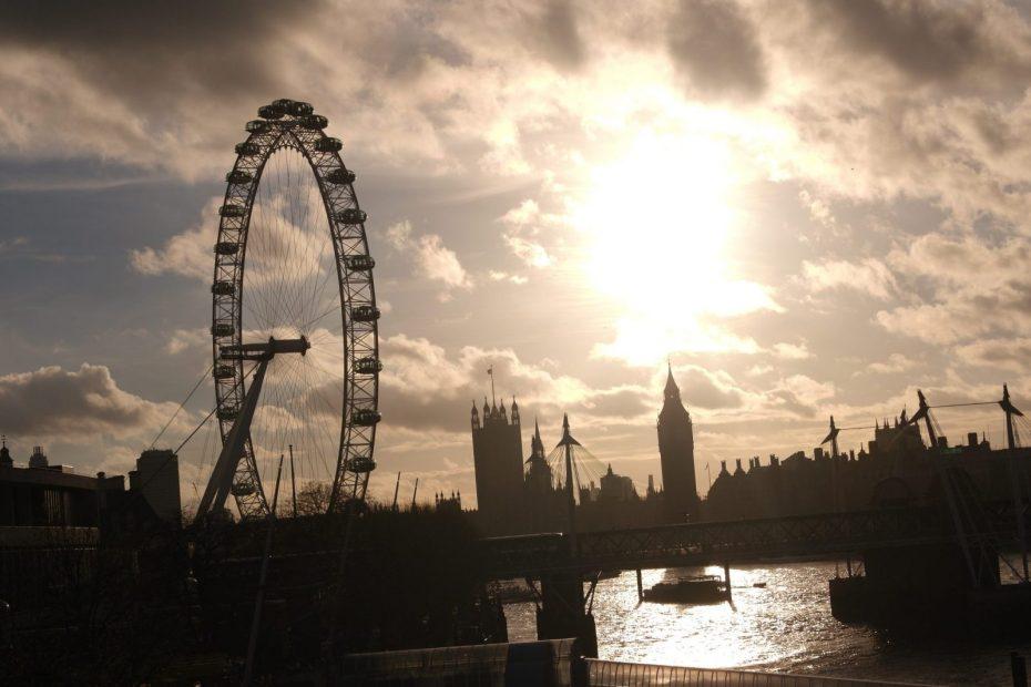 Waterloo-Bridge-The-London-Eye-and-Big-Ben