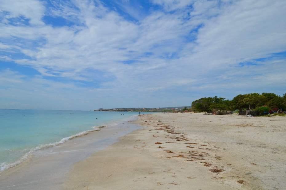 33005057811_bdae7da486_b_jamaica-beach