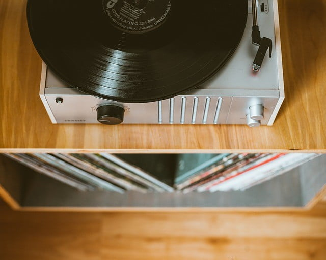 Record player storage: buy a new stand or DIY?