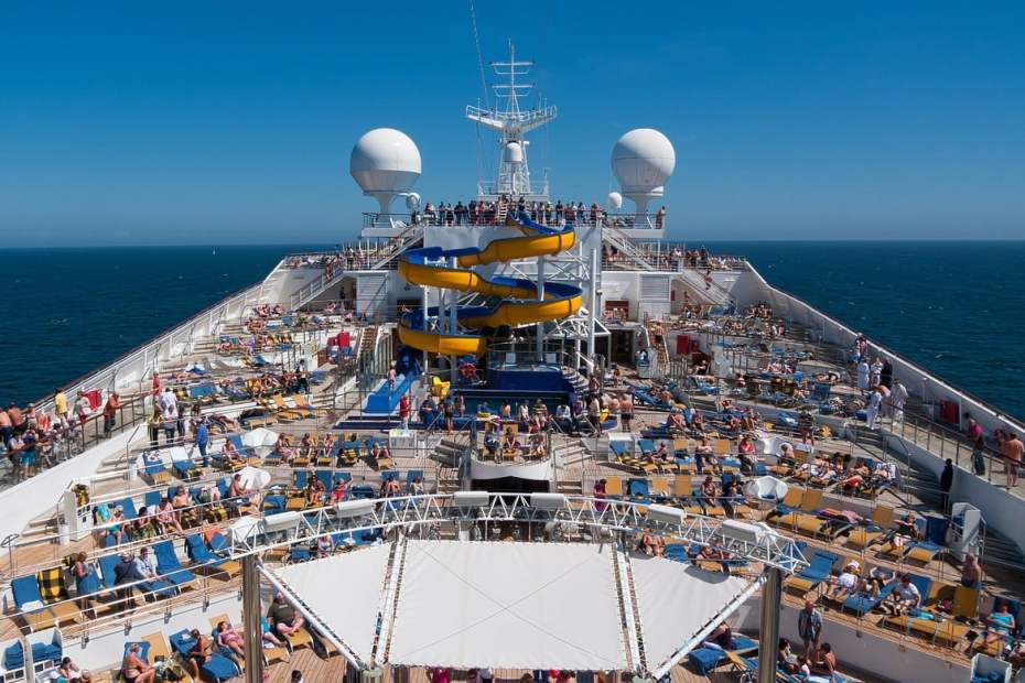 e837b2092ef0033ecd0b470de7444e90fe76e7d41fb919479cf9c0_1280_cruise-ship