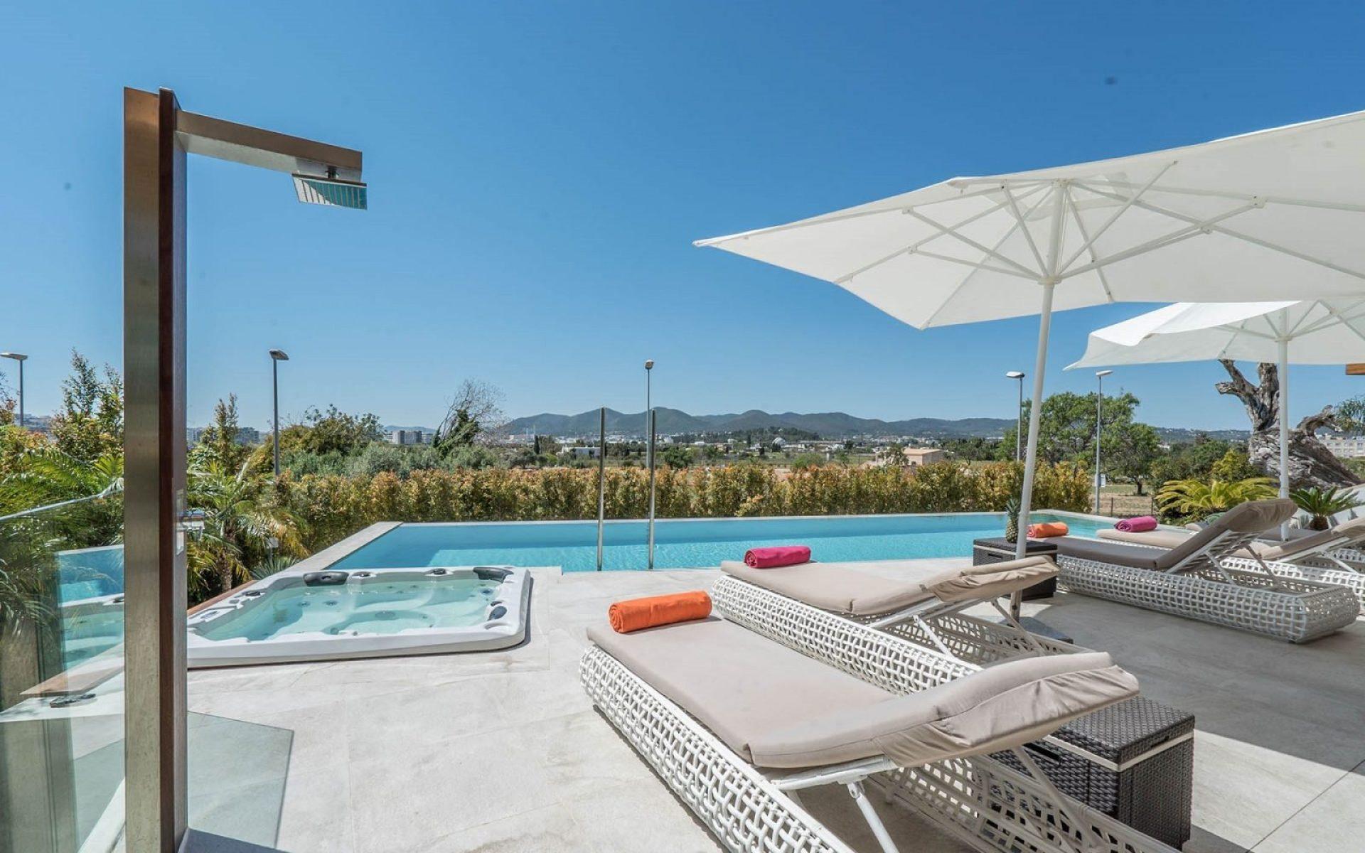 Ibiza-villa-with-pool