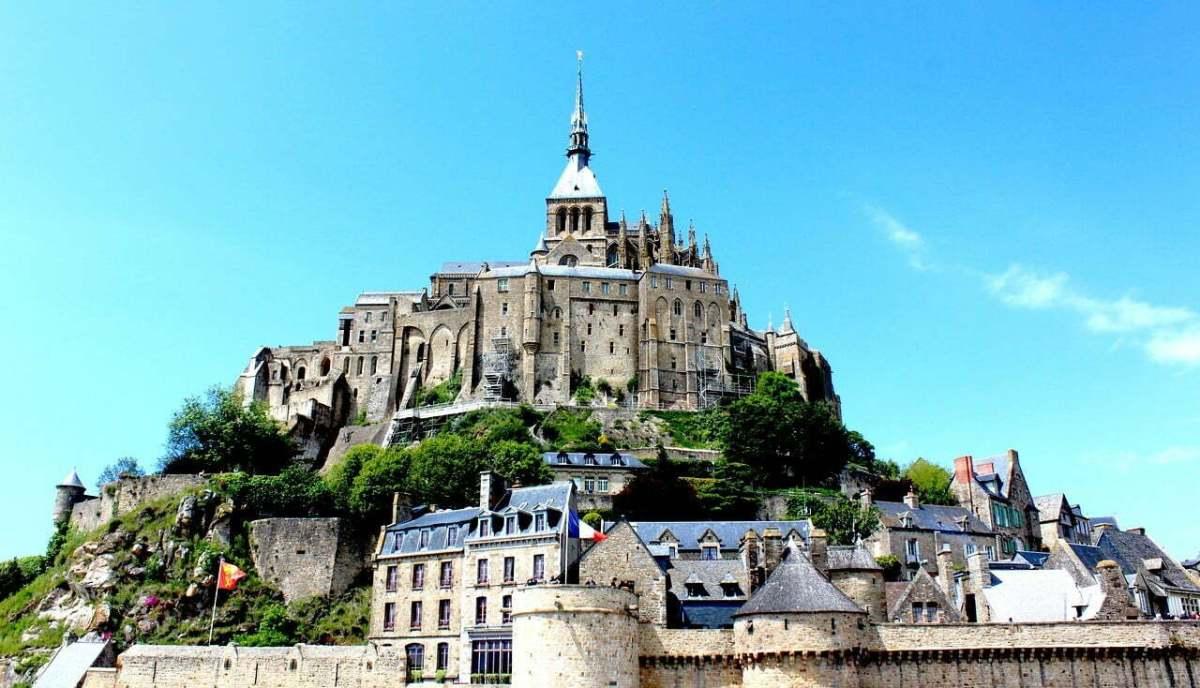 Mont-Saint-Michel photo